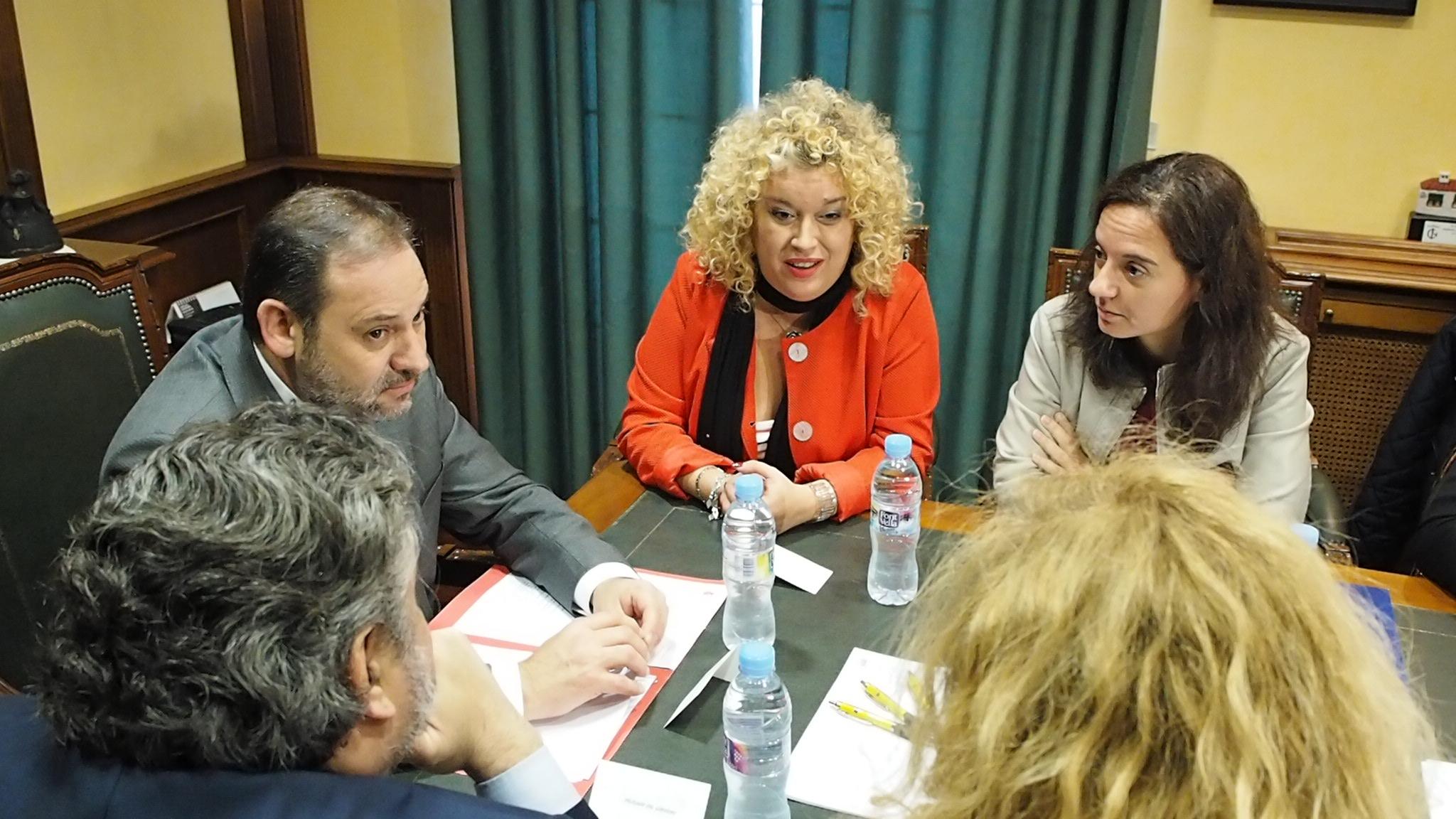 Reunión de alcaldesas y alcaldes afectados por la C3 con el Ministro de Fomento