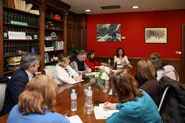 La alcaldesa y la concejala de Salud se reunieron ayer con la dirección del Centro de Salud de Perales y la dirección del Servicio Madrileño de Salud