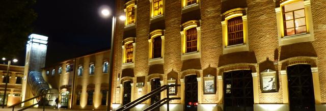 Teatro García Lorca noche exterior